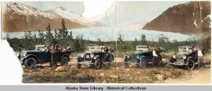 Buick_touring_cars_and_passengers_at_Mendenhall_Glacier_ca_1924